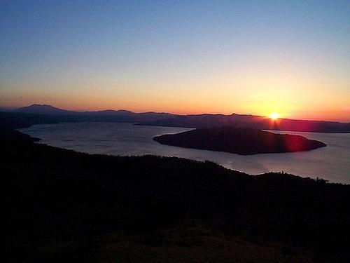 屈斜路湖、カルデラ湖